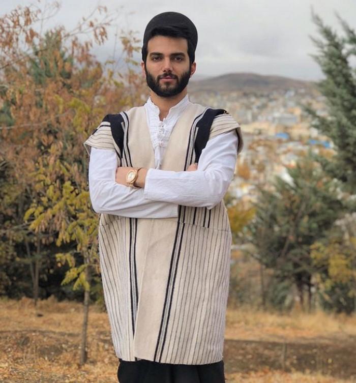 ahaygol pooyanmokhtari 2 - آهنگ و موزیک ویدیو اهای گل پویان مختاری و نیلی افشار